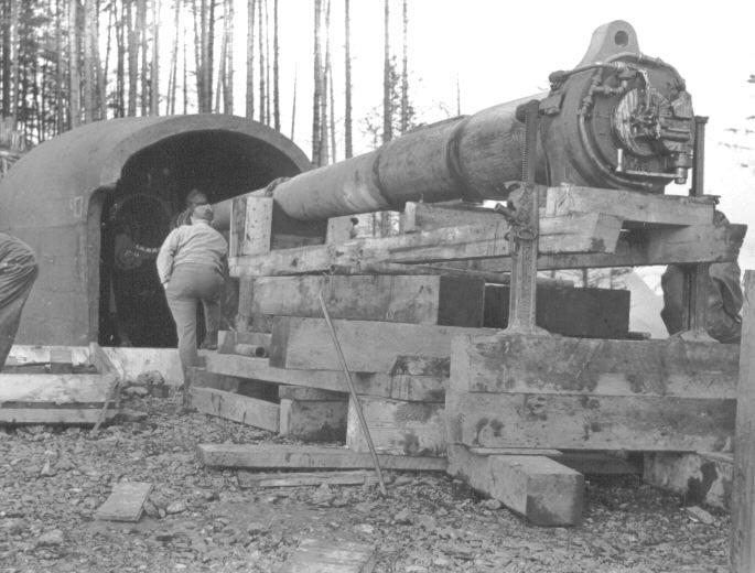 The installation of a 6-inch gun at battery 292