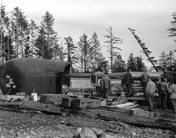 constructing the gun at battery 292